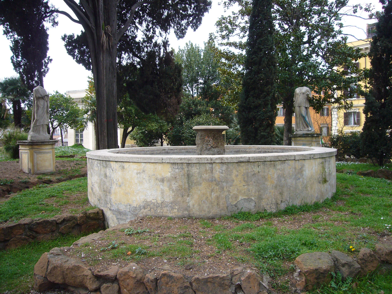 Statue da giardino usate idee per la casa - Fontane da giardino usate ...